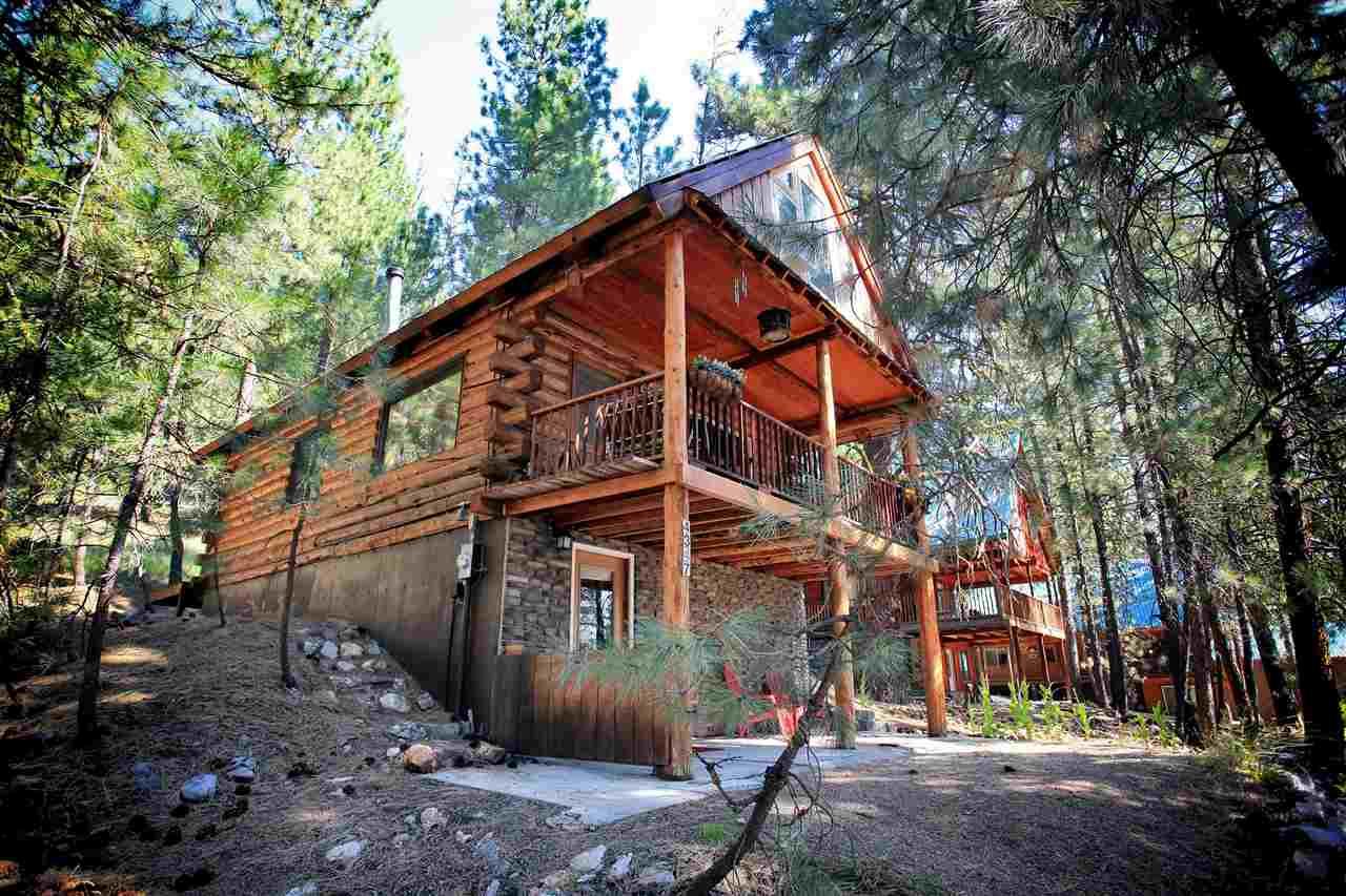 Casa Unifamiliar por un Venta en 4347 N Pine Featherville Road 4347 N Pine Featherville Road Featherville, Idaho 83647