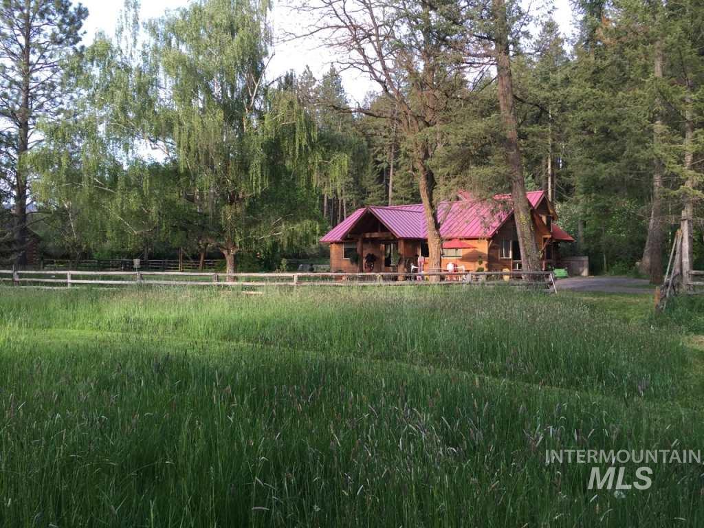 Casa Unifamiliar por un Venta en 1011 Lyon Road Moscow, Idaho 83843