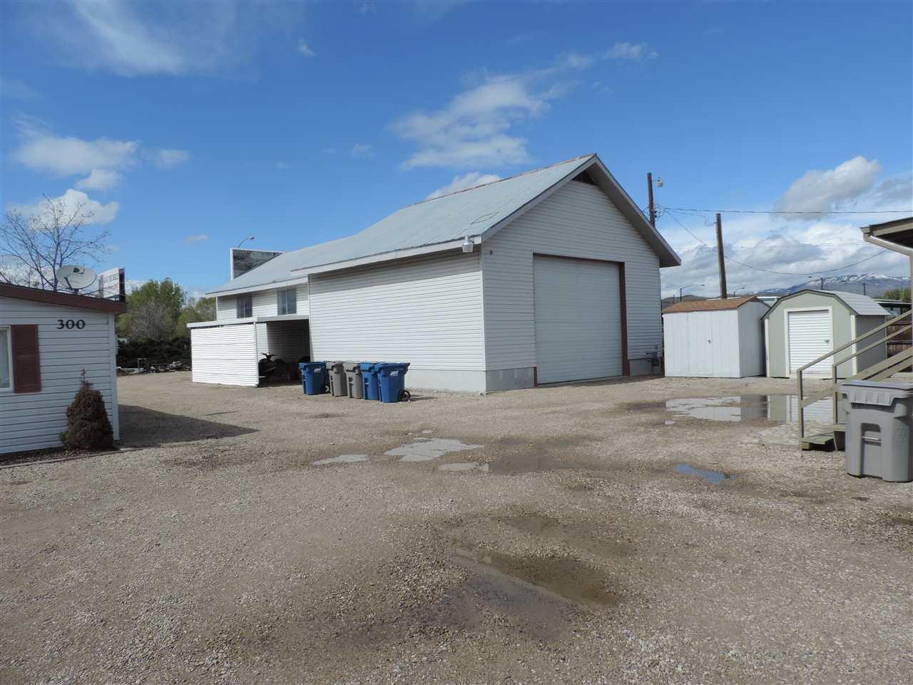Casa Multifamiliar por un Venta en 300 E 41st And 302, 304,306 Garden City, Idaho 83714
