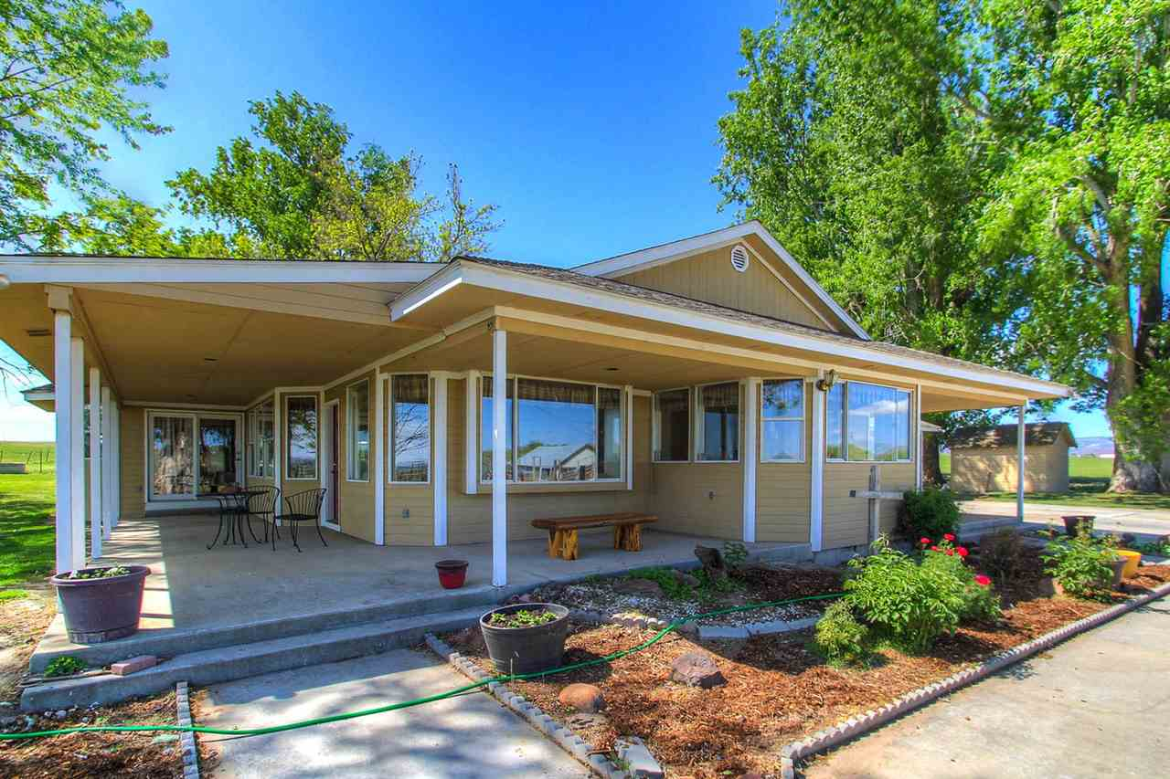 Single Family Home for Sale at 2318 Pioneer Road 2318 Pioneer Road Homedale, Idaho 83628
