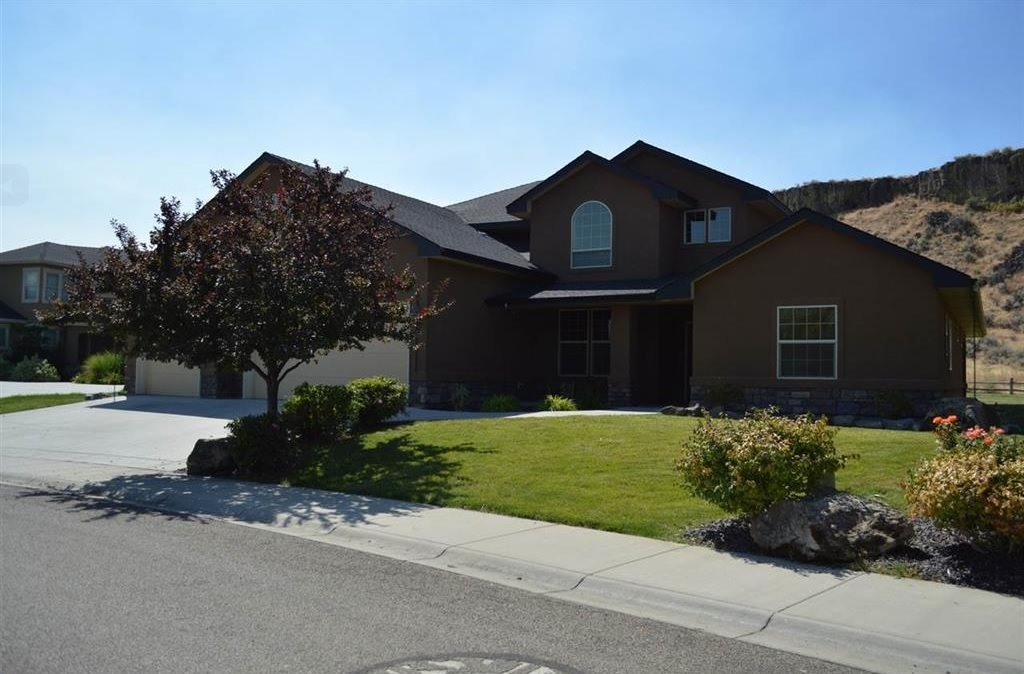 6421 E Escarpment Ct, Boise, ID 83716