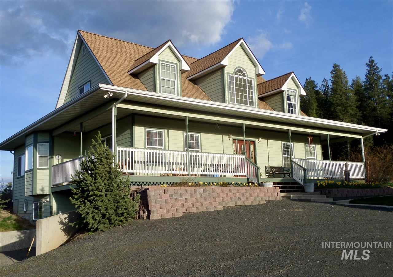 独户住宅 为 销售 在 1055 Newell 1055 Newell Viola, 爱达荷州 83872