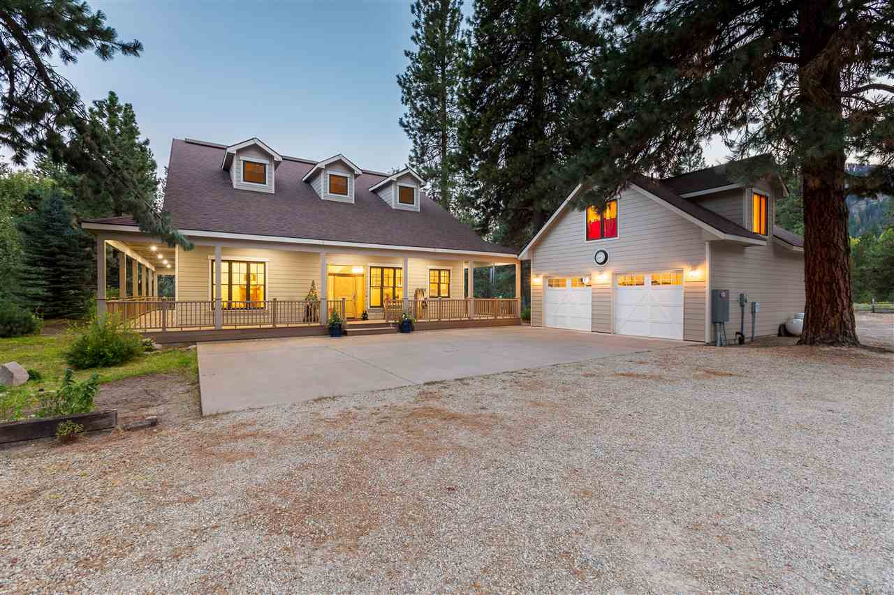Single Family Home for Sale at 4211 N Pine-Featherville Rd Featherville, Idaho 83647