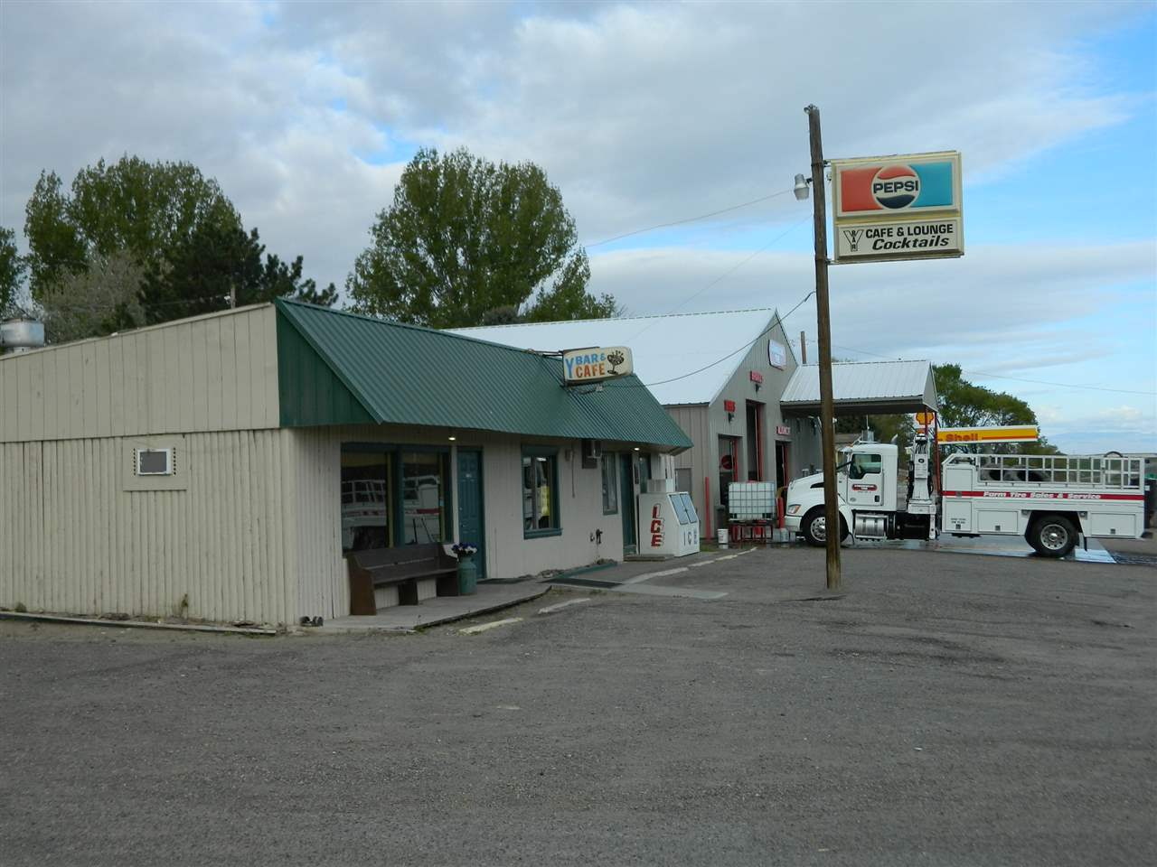 Commercial for Sale at 140 Frontage Rd Hwy 78 Grand View, Idaho 83624