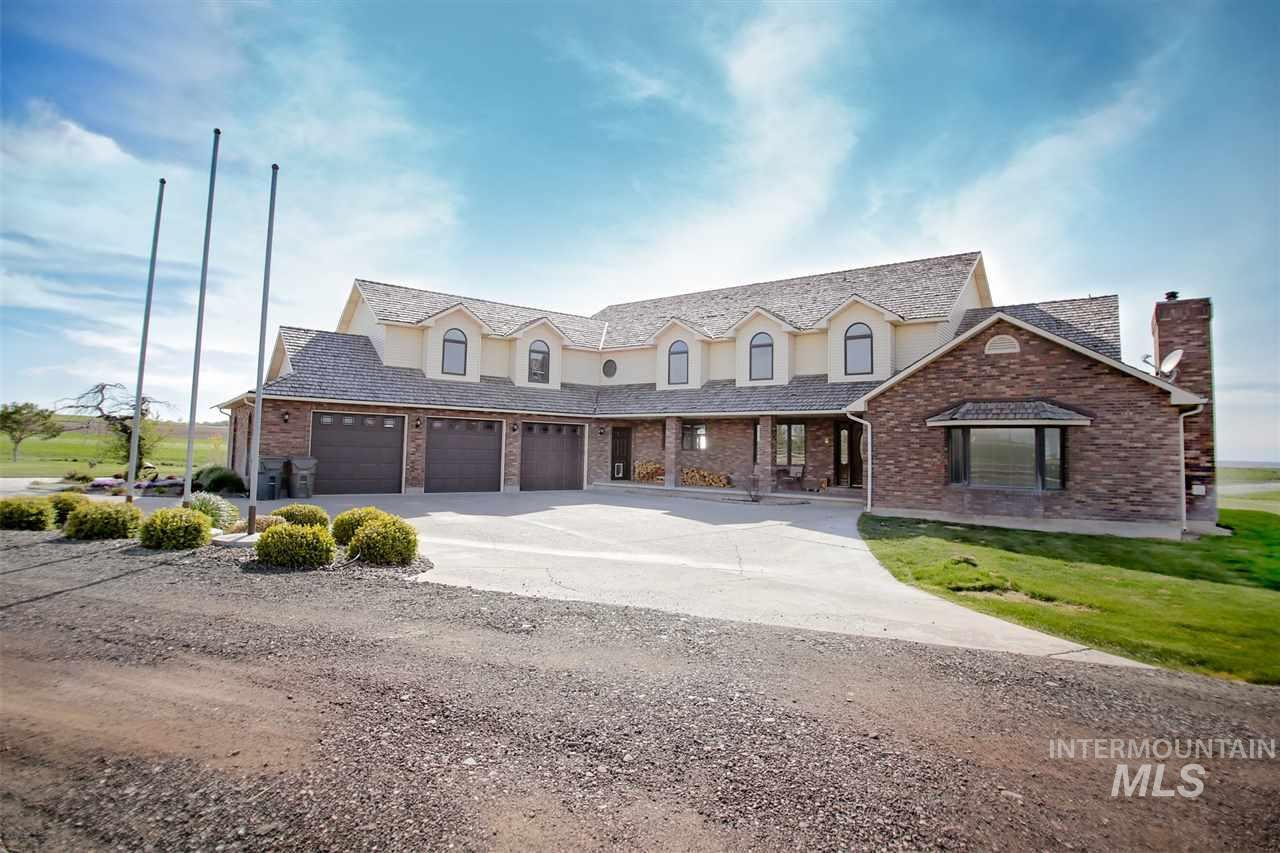 独户住宅 为 销售 在 4423 N 1600 E 4423 N 1600 E 比镇, 爱达荷州 83316