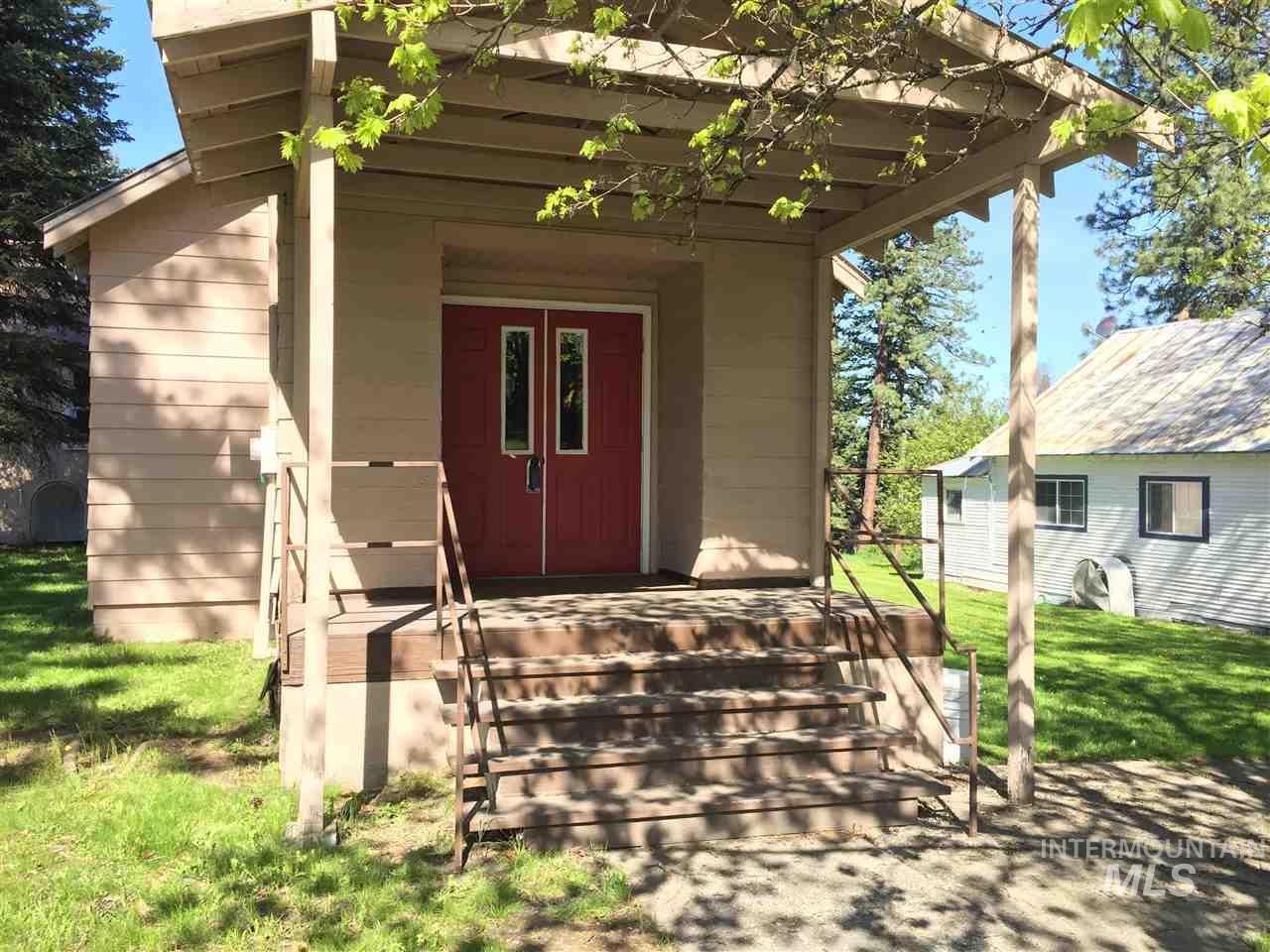 301 Idaho St, Deary, ID 83823
