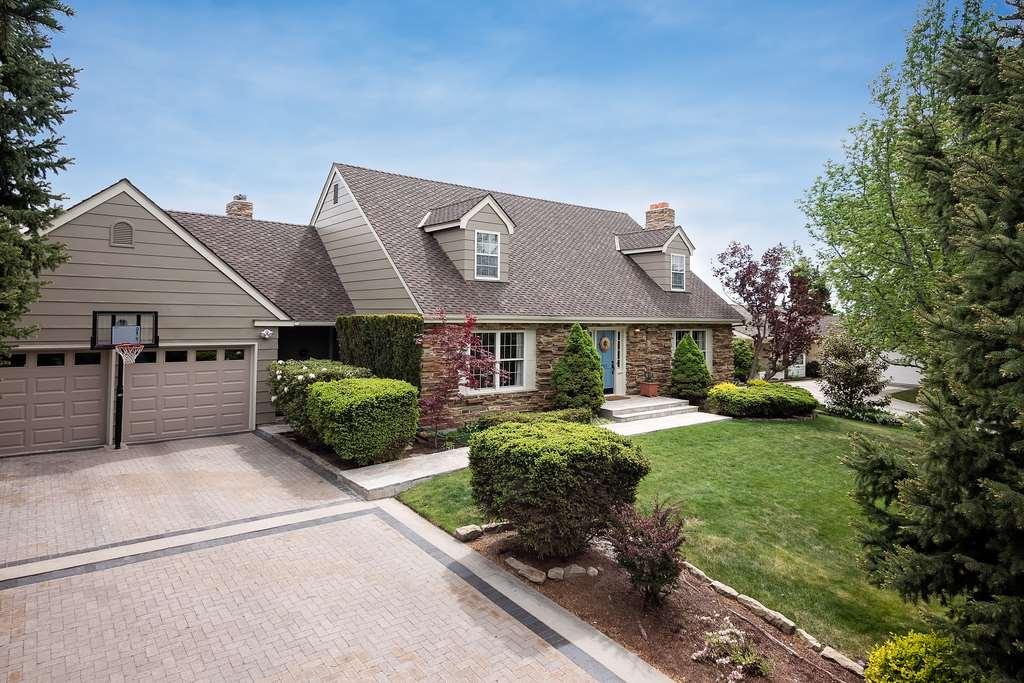 Single Family Home for Sale at 203 E Braemere Road Boise, Idaho 83702