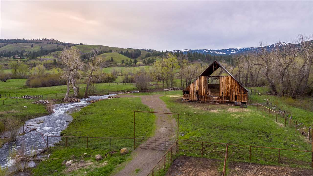 Chacra / Estancia por un Venta en 2497 Orchard Road Council, Idaho 83612