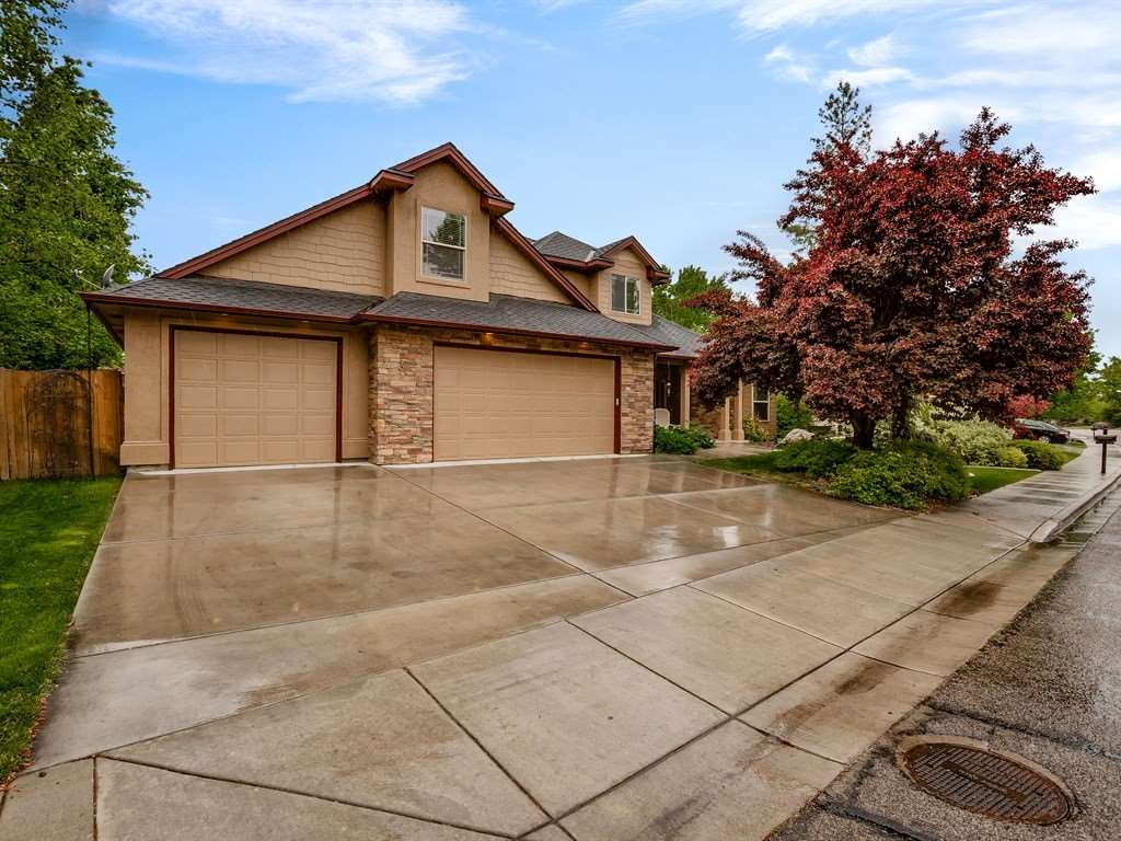 5075 N Brookmeadow Way, Boise, ID 83713