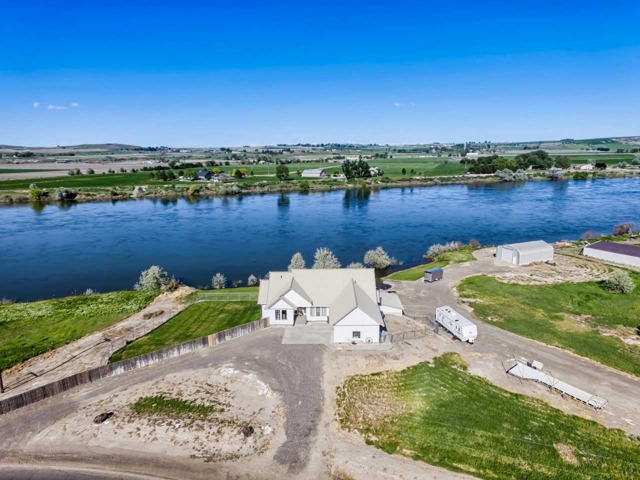 Single Family Home for Sale at 6510 Old Bruneau Hwy 6510 Old Bruneau Hwy Marsing, Idaho 83639