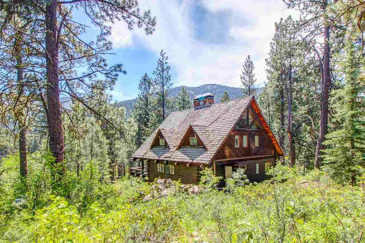 31 Valley Road, Lowman, ID 83637