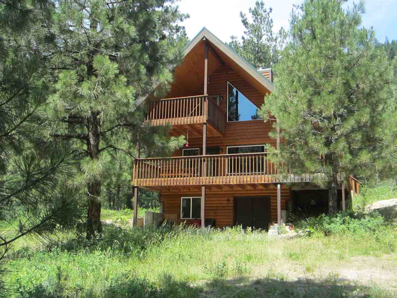 24 Valley Rd, Lowman, ID 83637