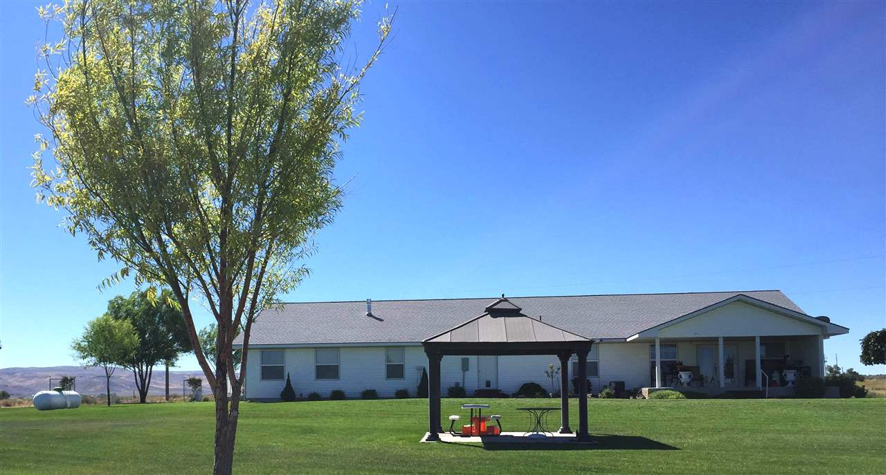 Commercial for Sale at 2692 Hyw 93 2692 Hyw 93 Hollister, Idaho 83301