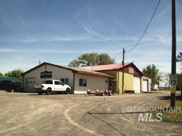 Commercial for Sale at 5884 US Highway 93 5884 US Highway 93 Jerome, Idaho 83338