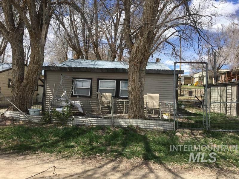 Single Family Home for Sale at 116 Watson West Magic, Idaho 83352
