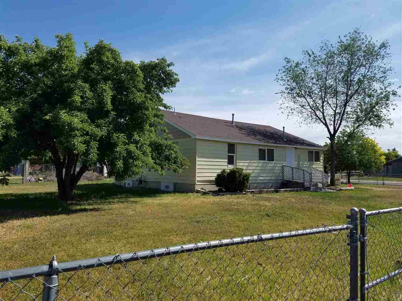 独户住宅 为 销售 在 332 S Milner Street 332 S Milner Street Wendell, 爱达荷州 83355