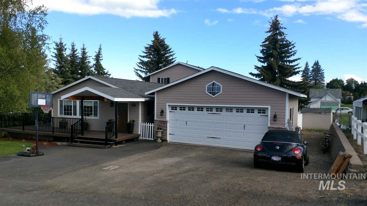 Single Family Home for Sale at 213 Boone Street 213 Boone Street Craigmont, Idaho 83523