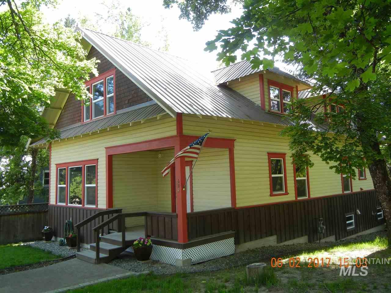 Single Family Home for Sale at 609 Main Street 609 Main Street Deary, Idaho 83823