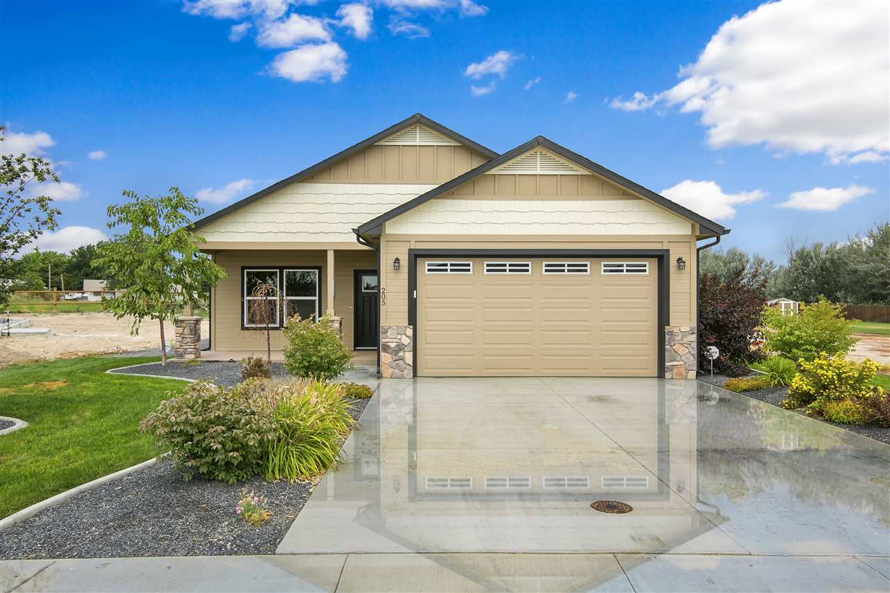 205 E McKinley St, New Plymouth, ID 83655