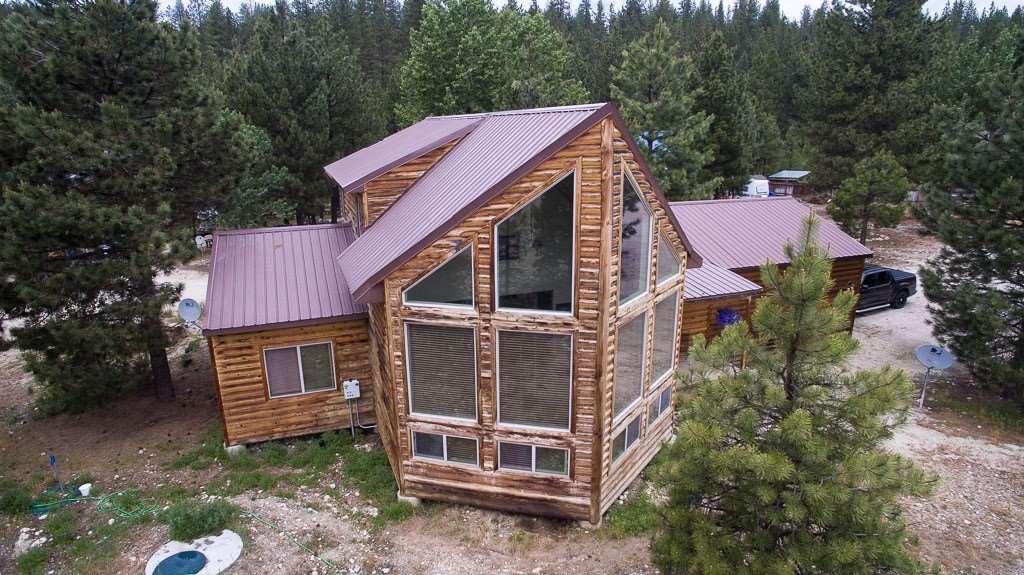 Casa Unifamiliar por un Venta en 417 Elk Creek 417 Elk Creek Idaho City, Idaho 83631