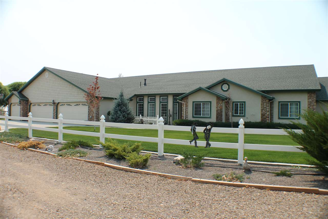 Casa Unifamiliar por un Venta en 4455 SW Cosmo Way 4455 SW Cosmo Way Mountain Home, Idaho 83647