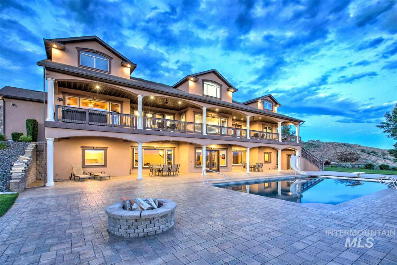 独户住宅 为 销售 在 1473 E 4600 N 1473 E 4600 N 比镇, 爱达荷州 83316