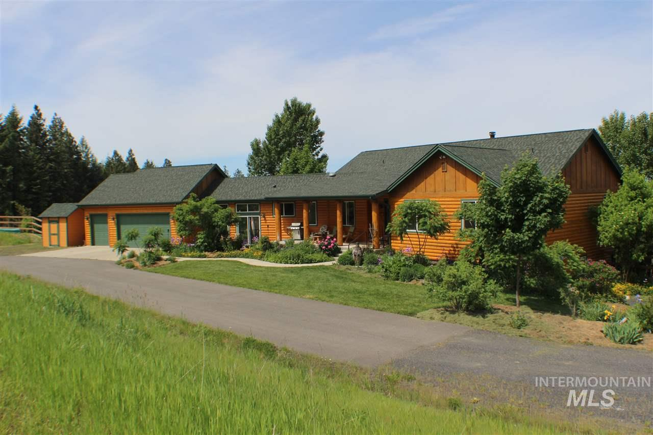 Casa Unifamiliar por un Venta en 1215 Saddle Ridge Road 1215 Saddle Ridge Road Viola, Idaho 83872