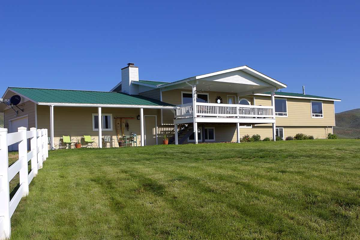 Single Family Home for Sale at 235 N 1100 W 235 N 1100 W 235 N 1100 W 235 N 1100 W Corral, Idaho 83322
