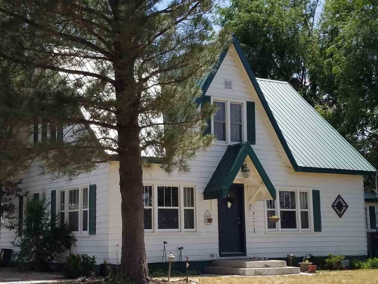 589 W Garfield Ave, Glenns Ferry, ID 83623