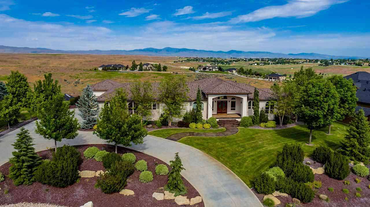 12076 W Deep Canyon Drive, Star, ID 83669