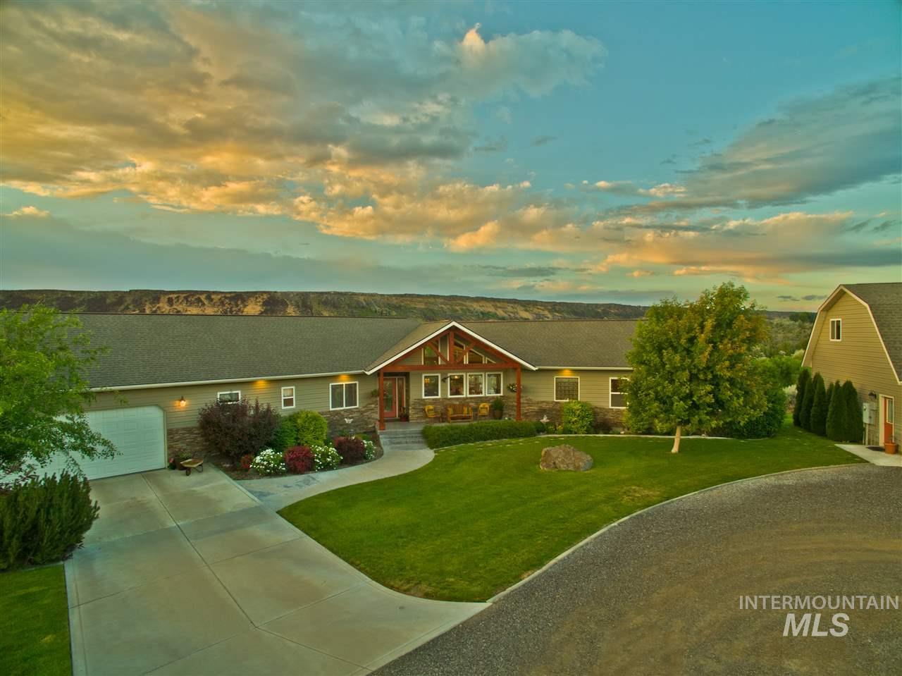 Single Family Home for Sale at 1260 Kanaka Rapids Road 1260 Kanaka Rapids Road Buhl, Idaho 83316