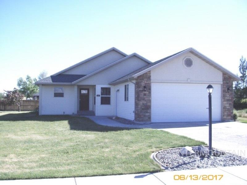 111 River View Drive, Shoshone, ID 83352