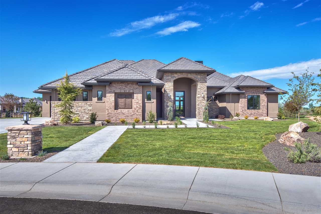 N Willean Lane, Eagle, ID 83616