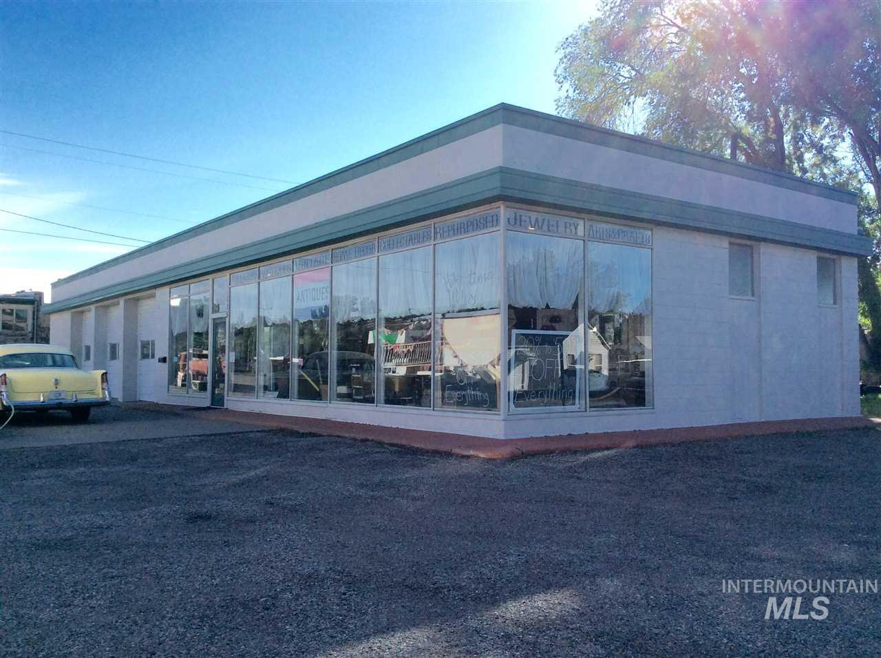 Commercial for Sale at 115 S Greenwood Street 115 S Greenwood Street Shoshone, Idaho 83352