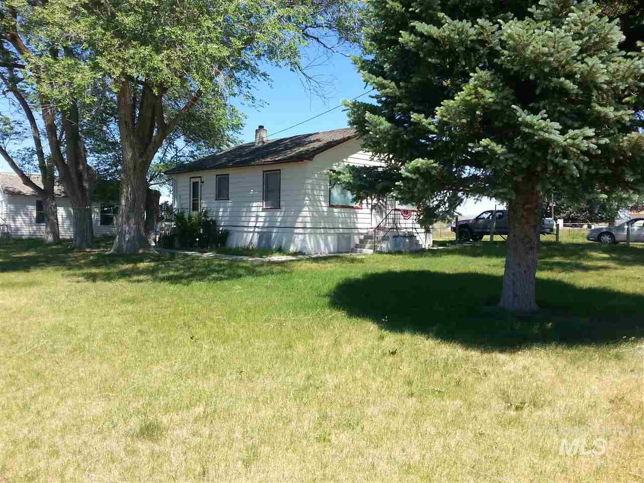 Single Family Home for Sale at 409 N Hi Way 75 409 N Hi Way 75 Shoshone, Idaho 83352