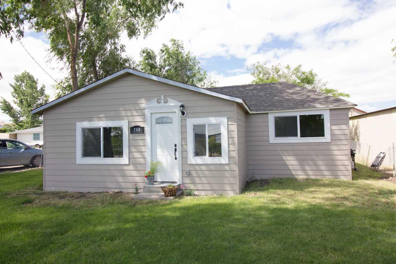 Casa Unifamiliar por un Venta en 780 Riverside Ave 780 Riverside Ave Grand View, Idaho 83624