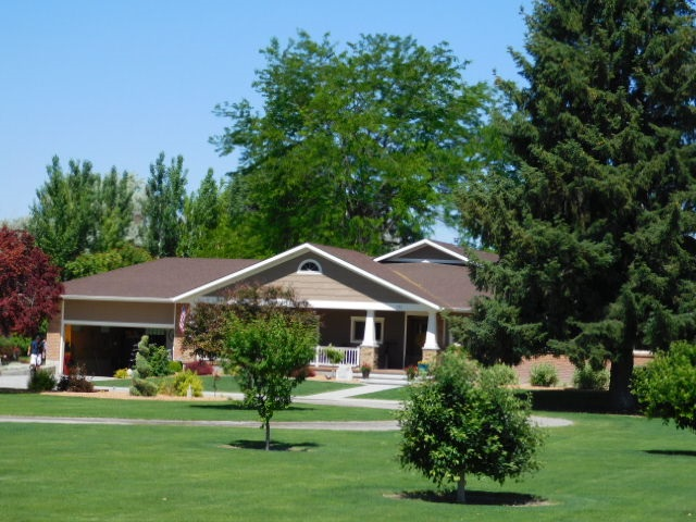 Single Family Home for Sale at 393 & 395 S 600 W. Heyburn, Idaho 83336