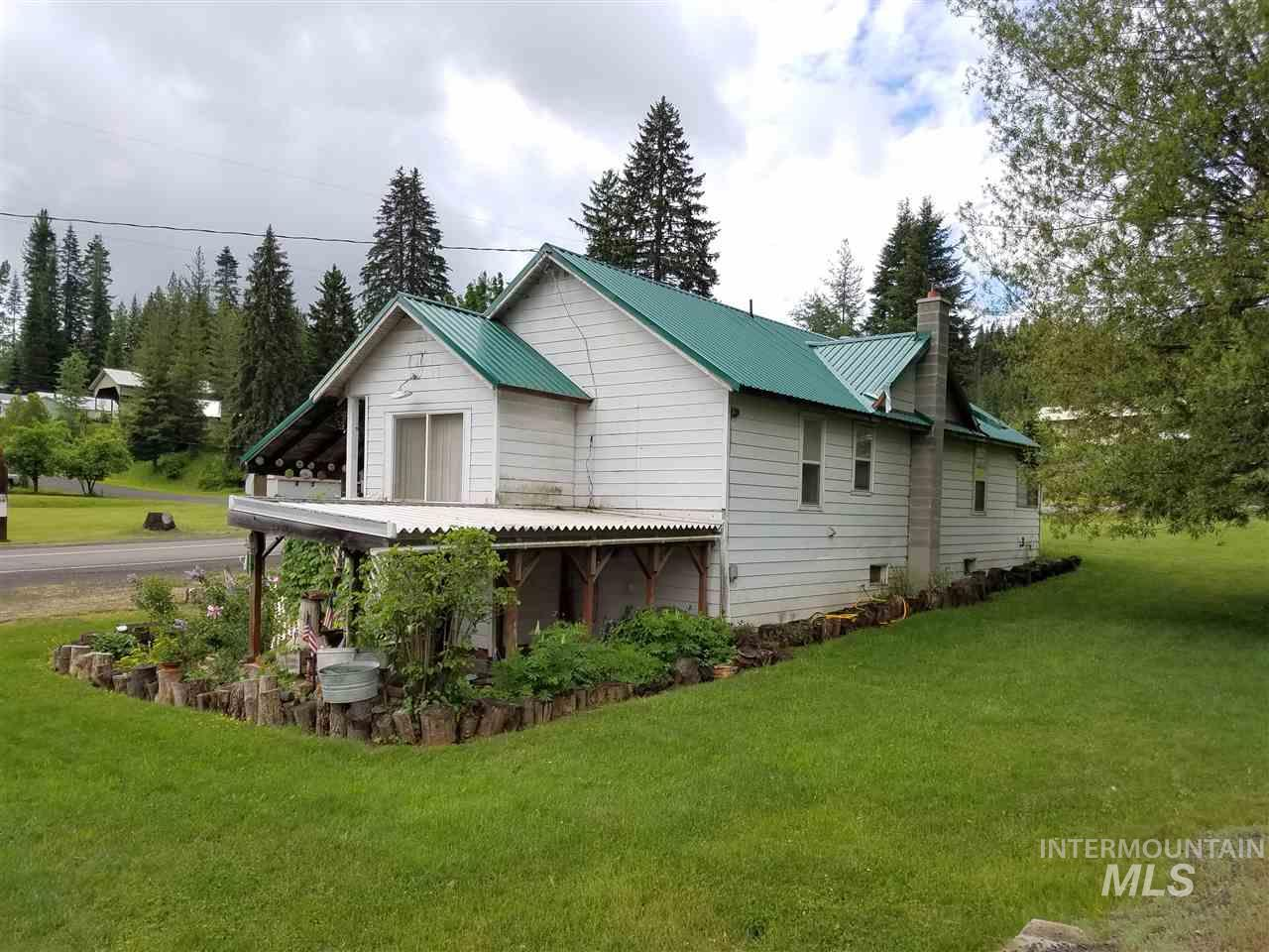 Single Family Home for Sale at 101 N 3rd Street Elk River, Idaho 83827