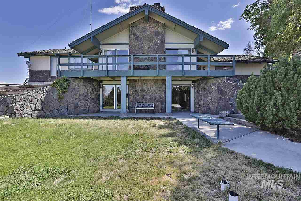 Single Family Home for Sale at 1911 Summit Drive 1911 Summit Drive Gooding, Idaho 83330