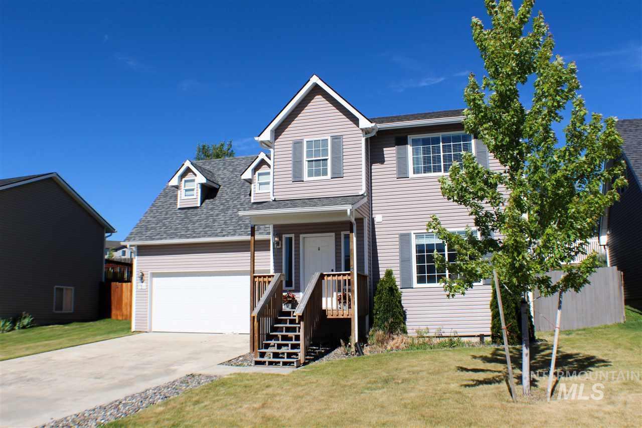 Single Family Home for Sale at 1950 NW Bella Vista Pullman, Washington 99163