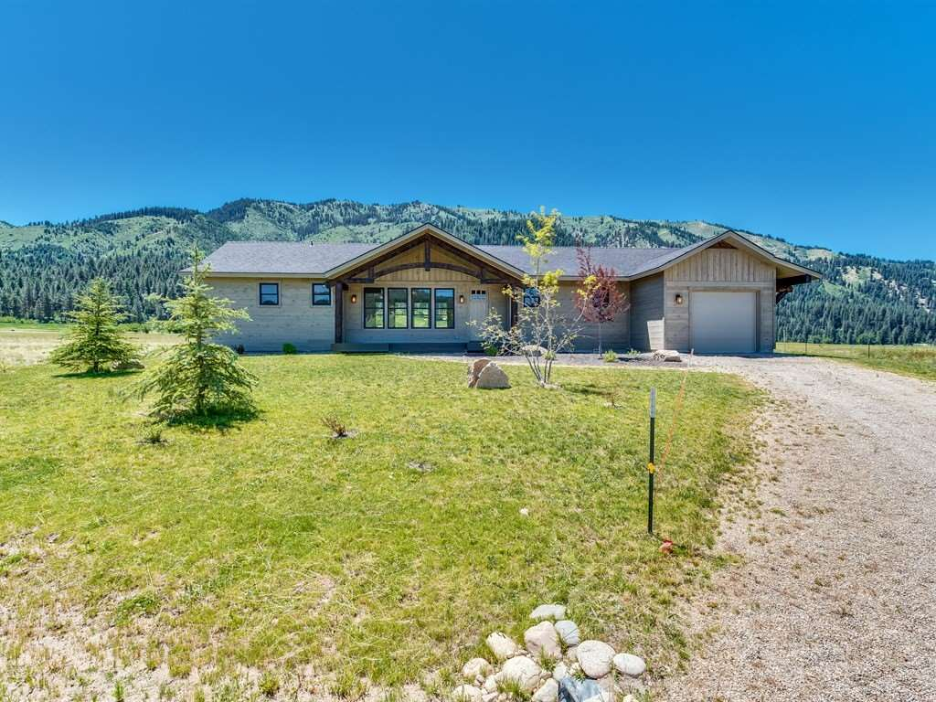 33 Cooski Springs, Garden Valley, ID 83622