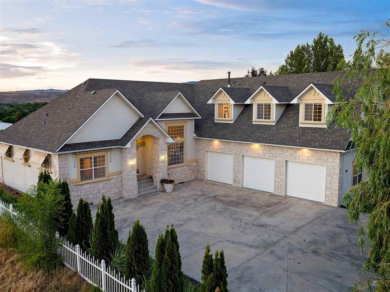 9696 W Canyon Ridge, Boise, ID 83704