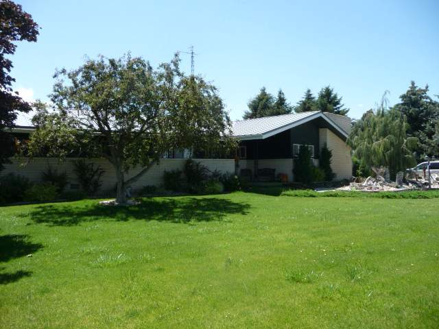 Single Family Home for Sale at 83 W 100 N Rupert, Idaho 83350