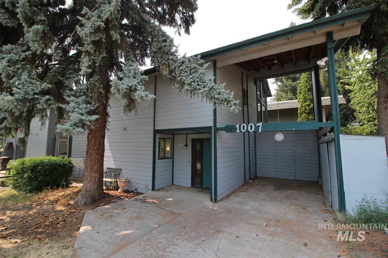 Condominio por un Venta en 1007 NW Bryant 1007 NW Bryant Pullman, Washington 99163