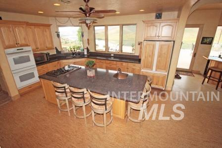 Additional photo for property listing at 790 E 2725 S 790 E 2725 S Hagerman, Idaho 83332