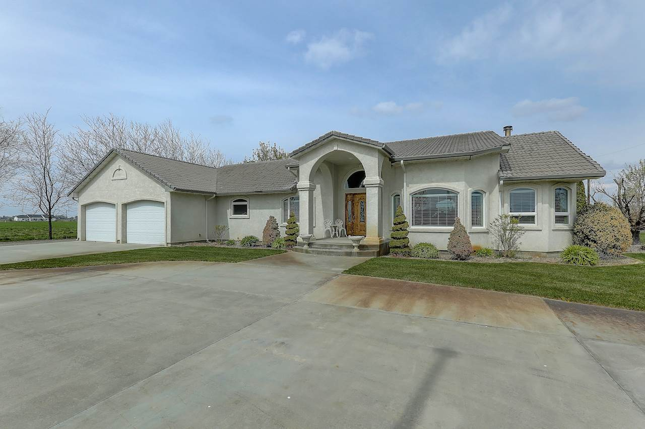 Single Family Home for Sale at 2800 W Idaho Blvd 2800 W Idaho Blvd Emmett, Idaho 83617