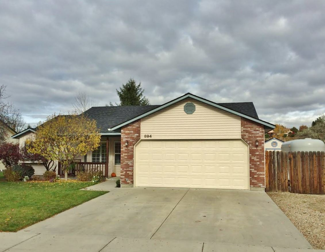 894 E Cembra Street, Eagle, Idaho 83616, 3 Bedrooms, 2 Bathrooms, Rental For Rent, Price $1,850, 98662417