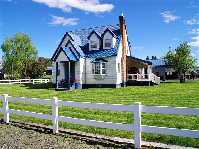 Single Family Home for Sale at 495 E Bridge Street 495 E Bridge Street Midvale, Idaho 83645