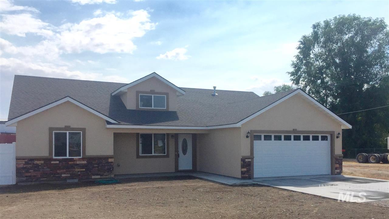 Single Family Home for Sale at 1021 17th St 1021 17th St Heyburn, Idaho 83336