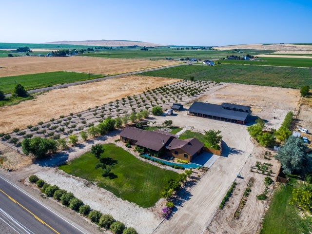 Single Family Home for Sale at 7894 Murphy Road 7894 Murphy Road Melba, Idaho 83641
